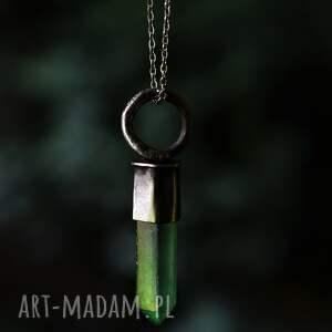 naszyjniki naszyjnik z zielonym kryształkiem, kryształ, kryształem
