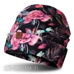 czapka beanie jesienno-zimowa w różowe kwiaty, uszyta, bawełniana