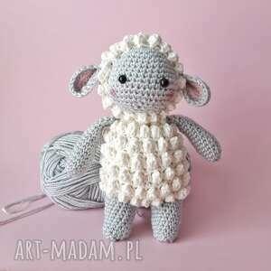 owieczka maskotka na szydełku, maskotka, baranek zabawka