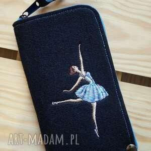 ręcznie robione etui filcowe na telefon - baletnica