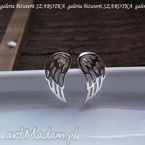 uskrzydlone kolczyki ze srebra, skrzydła, skrzydełka, srebro, sztyfty biżuteria