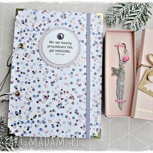 Zestaw prezentowy dla dziewczyny - notatnik i zakładka