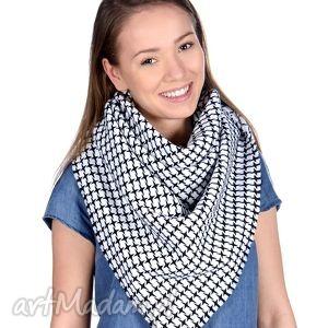 bukiet-pasji chusta damska - białe chustki i apaszki, ciepły