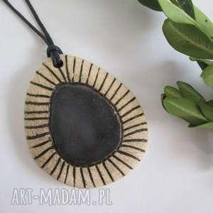 etniczny z czarnym oczkiem - ,ceramiczny,wisior,etniczny,