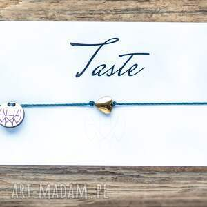 ręczne wykonanie bransoletki whw taste heart on bottlegreen string