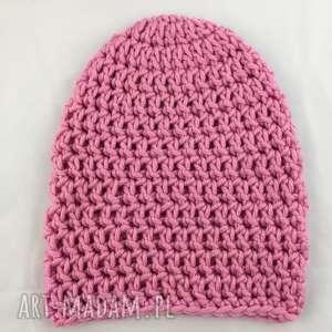 handmade czapki ręcznie robiona czapka różowa hand made