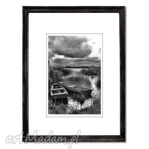 Przed burzą, fotografia autorska, fotografia, pejzaż, łodzie, łódki, rzeka