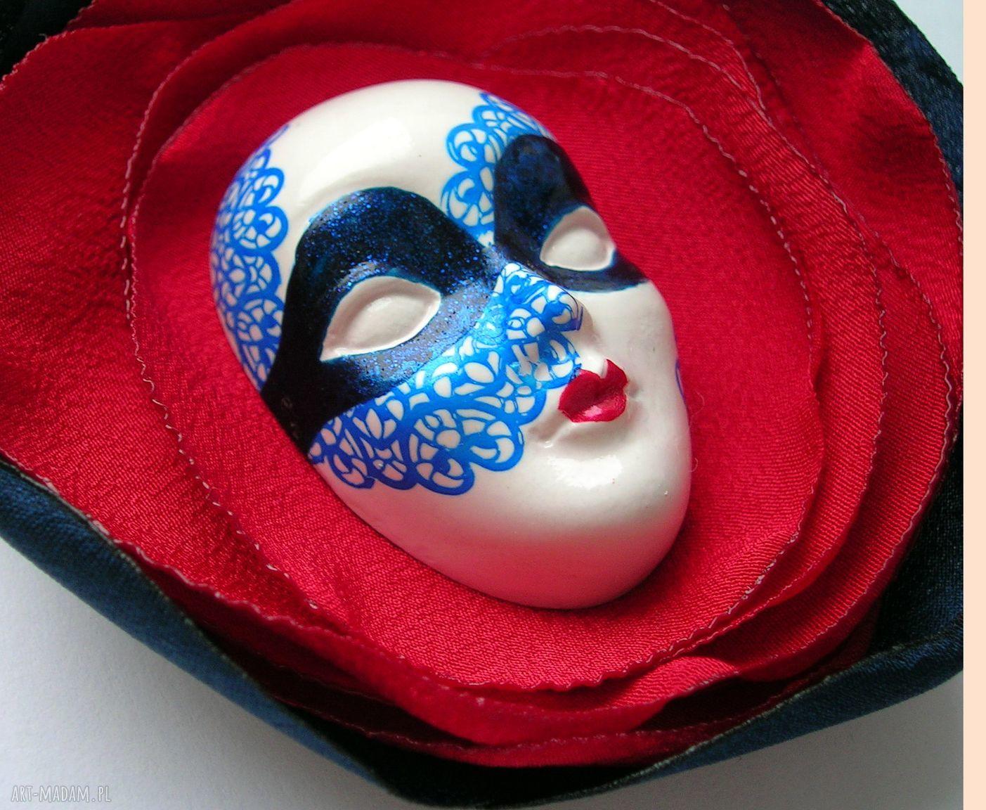niebieskie broszki wenecka broszka z kolekcji masquerade