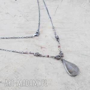 rzeźbiona kropla rutylu z rubinami, srebrny naszyjnik, srebrna biżuteria