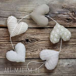 sercowa beżowa girlanda 5 serc, girlanda, serce, dekoracja, walentynki, prezent