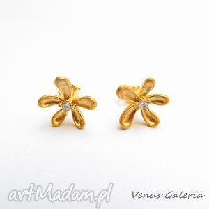 Pozłocone kolczyki - Subtell, kolczyki, pozłocone, biżuteira, venus, kwiatuszki