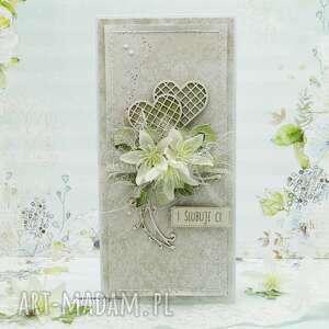 Kartka ślubna z sercami w pudełku scrapbooking kartki papierowa