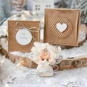 świąteczny aniołek w pudełeczku, z kartką personalizowany podarek na każdą