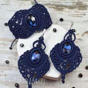 elegancki komplet biżuterii w odcieniach granatu długie kolczyki i bransoletka