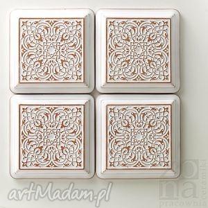 dekory largo białe z ramą, dekory, kafle, ceramiczne, ornamentowe, dekoracyjne