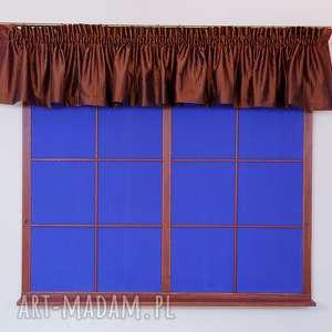 brązowy lambrekin z tafty, lambrekin, firany, okno, tafta