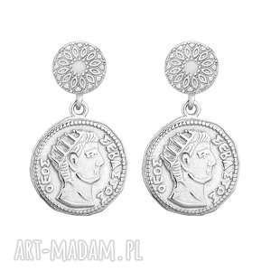 srebrne kolczyki z monetami - medaliony, sztyfty