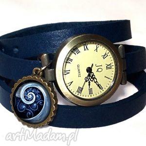 niebieska spirala - zegarek bransoletka na skórzanym pasku - rękę