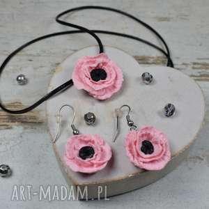 delikatny komplet biżuterii - różowe kwiaty, biżuteria romantyczny