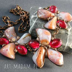 naszyjnik kwiatowy czerwono - agatowy, z kamieni, wzór, naturalne