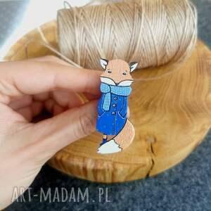 broszka lis (ręcznie malowana, lisy pin, drewno dębowe)