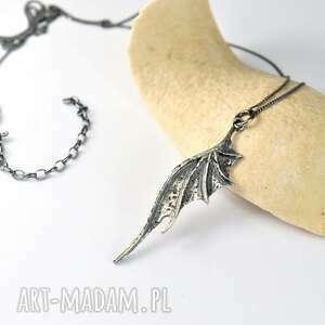 wisior smocze skrzydło ze srebra z łańcuszkiem, smoczy