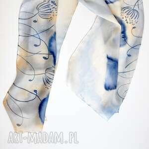 malowany szal - niebieskie maki, delikatny szal, beżowy, niebieski, jedwabny