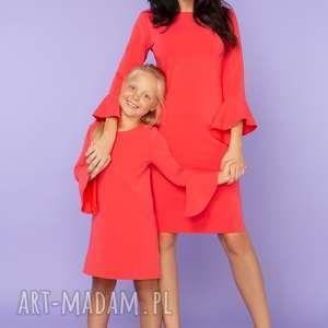 KOMPLET DLA MAMY I CÓRKI, sukienka z falbanką przy rękawie, model 26, koralowa