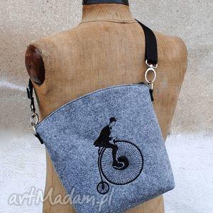 ręczne wykonanie torebki listonoszka i want to ride my bicycle!