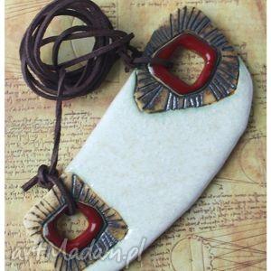 wisiorki biały wisior etno z deseniem patyny, wisior, ceramika