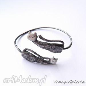 handmade bransoletki bransoletka srebrna - koty dwa czarne