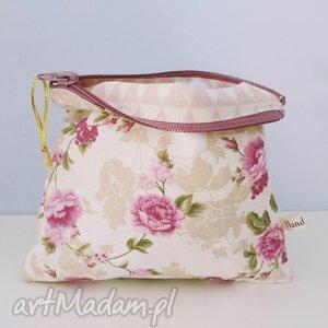 kosmetyczka floral vintage - ,kosmetyczka,piórnik,vintage,floral,kwiaty,pastelowa,