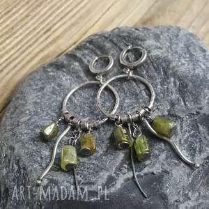 Prezent Kolczyki srebrne z zielonym granatem, kolczyki-granat, kolczyki-koła