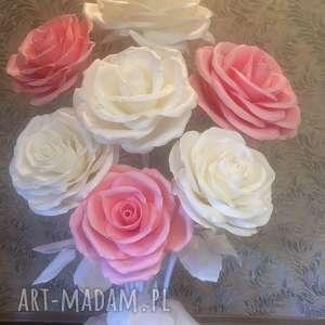 ślub gigant kwiaty. Oryginałna dekoracją na wesele