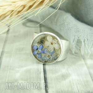 mela art 0932/mela pierścionek z żywicą i niezapominajkami, pierścionej, żywica