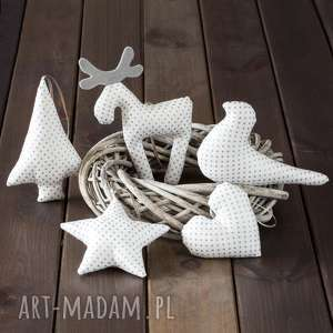 ręcznie wykonane pomysły na święta prezenty ozdoby choinkowe białe w srebrne kropki