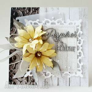 Z kwiatami - w pudełku, ślub, imieniny, urodziny, rocznica, podziękowanie