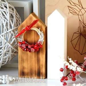 ręcznie wykonane dekoracje 2 drewniane domki z wiankiem