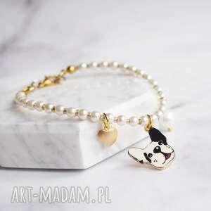 bransoletka perły z zawieszkami, pies, buldog, perły, perełki, pozłacana