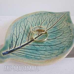 ceramiczny listek na biżuterię, listek, podstawka, prezent, fusetka