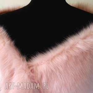 szal z futra w kolorze różowym, szal, etola, futro, okrycie, dodatek