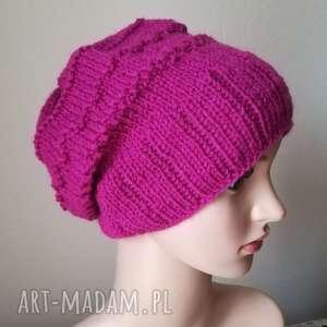 Prezent Zimowa fuksja, czapka, rękodzieło, prezent, zima