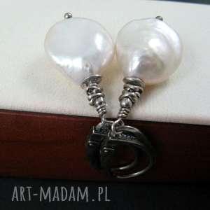 świąteczne prezenty, białe perły, biwa