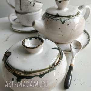 handmade ceramika zestaw składający się z dwóch filiżanek ze spodeczkami, czajnikiem