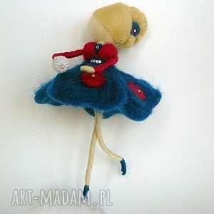 wróżka balerina tańcząca na piórku-mobil - dekoracja