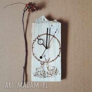 Drewniany zegar ścienny [góry i pirografia], drewno, jeleń, folk, natura, las,