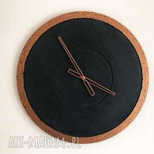Ręcznie wykonany duży betonowy zegar ścienny groove grafitowy