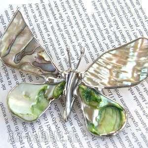 Broszka i wisior (2 w 1): Motyl z tęczową muszlą, broszka-z-wisiorkiem