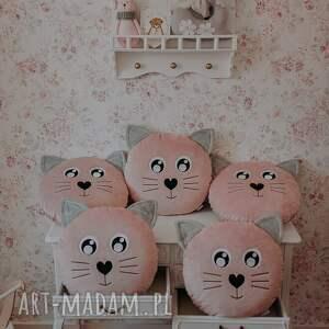 hand-made pokoik dziecka poduszka kotek pudrowy róż