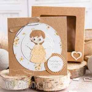kartka z aniołkiem stróżem w pudełeczku z szybką. personalizowana